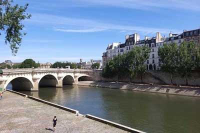 visite du pont neuf Paris